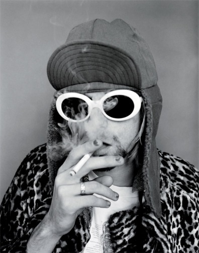 Kurt_Pink_Smoking_BW_forpo-copy