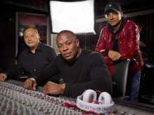 apple-in-negotiations-to-buy-audio-company-beats-electronics-for-32-billion