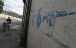 Street-Art-FIFA-World-Cup-in-Rio-de-Janeiro-Brazil-54564357