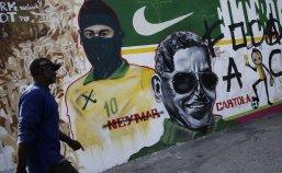 Street-Art-FIFA-World-Cup-in-Rio-de-Janeiro-Brazil-54564358