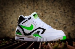 Nike-Air-Tech-Challenge-II-Poison-Green-2