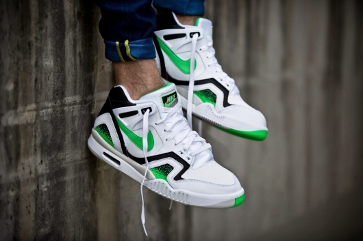Nike-Air-Tech-Challenge-II-Poison-Green-3